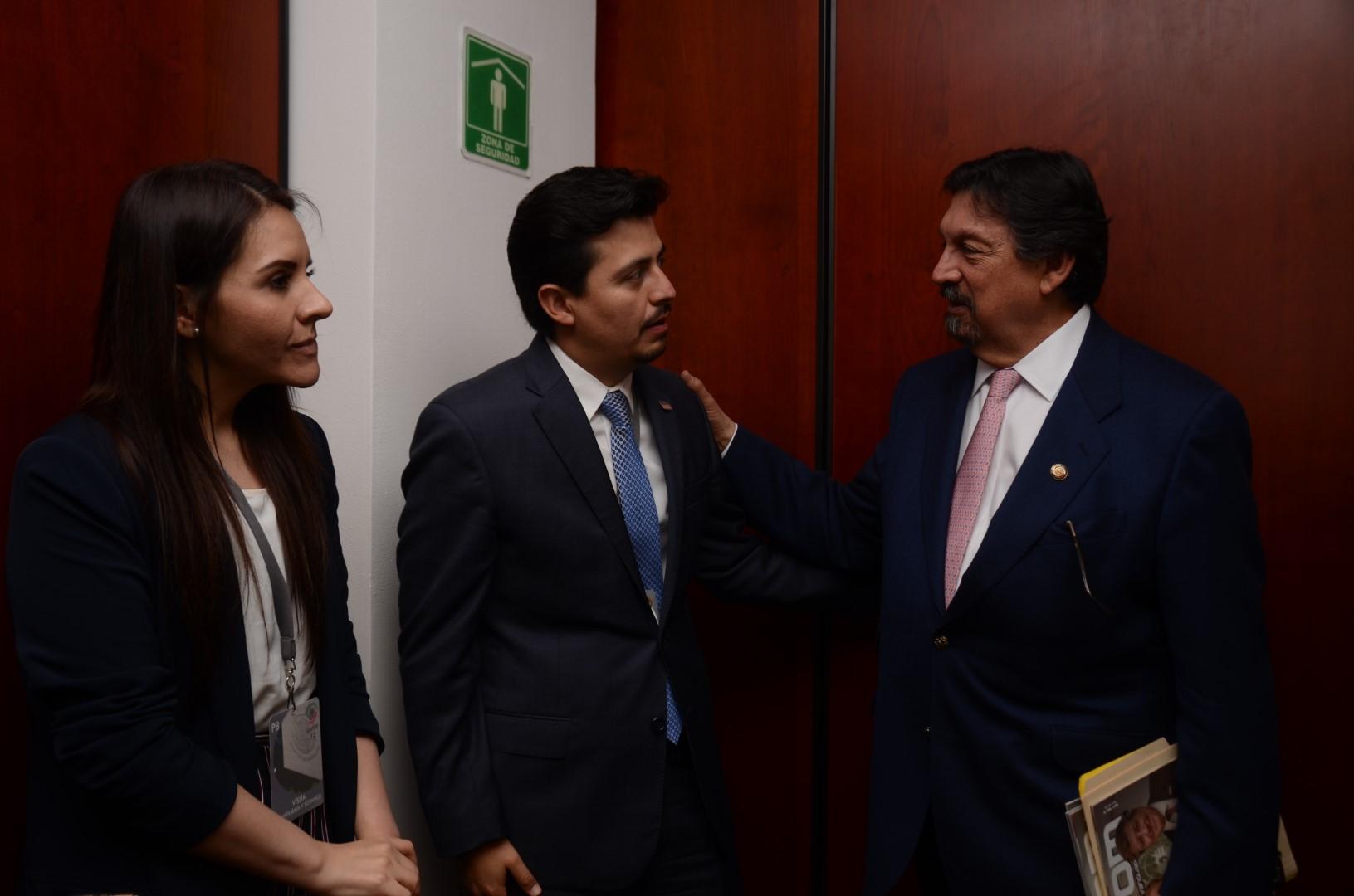 Reunión Senador Napoleón Gómez Urrutia