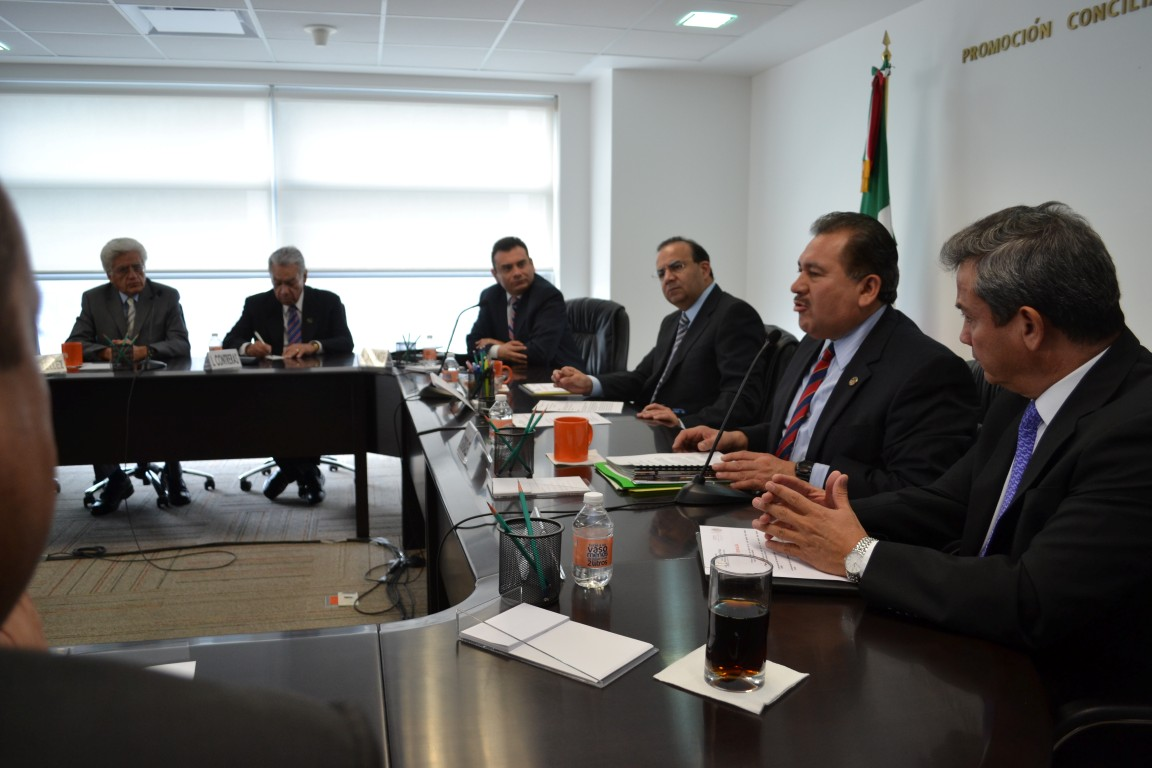 La CROM firma el Pacto por México